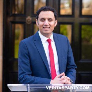 Anas Sarwar, Orang islam mengetuai partai politik Inggris